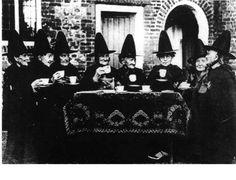 Historias De Brujas Reales | Las brujas vuelan en escoba ¿Cuál es el origen del mito?