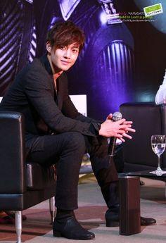 Kim Hyun Joong at the Bangkok PressCon 07.28.12 credit: @peacejerry