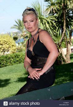 Kim Wilde, Top 40 Hits, Uk Singles Chart, Bonnie Tyler, Kim Novak, 30 July, Billboard Hot 100, Hottest 100, Famous Girls