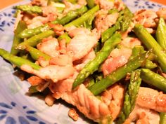Stir-Fried Asparagus and Pork Marinated with Shio Koji – recipe Fried Asparagus, Asparagus Stir Fry, Asparagus Recipe, Red Chilli, Wok, Japanese Food, Stuffed Peppers, Homemade
