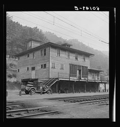 Old company store, mining town. Davey, West Virginia, 1938.