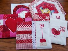 the momoo: Valentine Mug Rugs