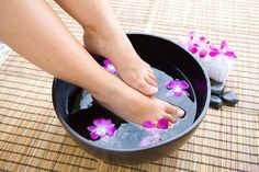 """Tip of the week This week's product tip is from Konnie Dwyer: """"Bathe tired, achy feet in hot water mixed with Aloe Heat Lotion and Aloe Hand & Face Soap. Very relaxing and softens your feet"""" - Pins für alles Aloe Heat Lotion, Foot Soak Vinegar, Foot Soak Recipe, Diy Foot Soak, Baking Soda For Hair, Toenail Fungus Remedies, Toe Fungus, Apple Cider Vinegar Benefits, Foot Odor"""