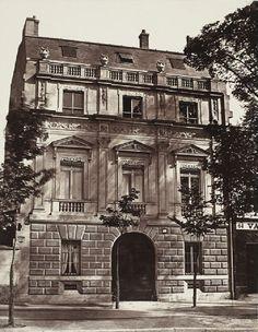 Façade d'un hôtel parisien, 16 août 1859. Attribué à Édouard Baldus