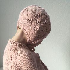 Ravelry: Rigmor's Bonnet pattern by PetiteKnit Kids Knitting Patterns, Knitting For Kids, Knitting For Beginners, Knitting Stitches, Crochet Patterns, Free Crochet, Knit Crochet, Bonnet Pattern, I Cord