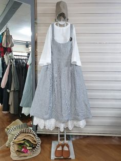 올리브의 린넨스토리 : 카카오스토리 Hijab Style, Boho Style Dresses, Lovely Dresses, Modest Dresses, Vintage Dresses, Casual Dresses, Abaya Fashion, Indie Fashion, Skirt Fashion