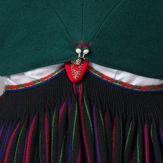 Snøreliv i klede til Vest-Agder bunad