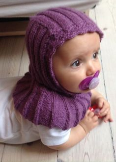 Elephant hat - I'm crazy about it . Baby Hat And Mittens, Baby Hats Knitting, Knitting For Kids, Knitting For Beginners, Baby Knitting Patterns, Knitting Designs, Baby Patterns, Knitted Hats, Magic Circle Crochet