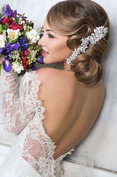 Incredibly elegant wedding hairstyles - modwedding elegant w Unique Wedding Hairstyles, Elegant Hairstyles, Formal Hairstyles, Bride Hairstyles, Headband Hairstyles, Hairdos, Hairstyle Ideas, Elegant Wedding Hair, Mod Wedding