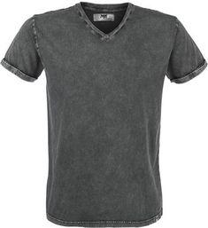 """T-shirt van Black Premium by EMP: - V-hals - stone washed look - vintagestijl Het T-shirt """"Vintage V-Neck"""" van Black Premium by EMP heeft een coole stone washed look, die de vintagestijl accentueert. Het shirt heeft geen prints, wat zorgt voor een strak uiterlijk. Het kledingstuk kan daardoor ook gedragen worden op allerlei soorten gelegenheden en valt goed te combineren met jeans en laarzen voor een rebelse uitstraling."""