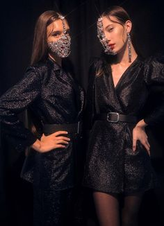 Crystal Half Face Mask Virgin, Face Jewelry, Face Accessory – Keep up with the times. Couture Fashion, Runway Fashion, Fashion Models, Womens Fashion, Milan Fashion, Fashion Face, Look Fashion, Fashion Outfits, Fashion Design
