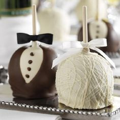 25+ edible wedding favors your guests won't leave behind! (photo: Mrs. Prindables)