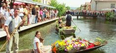 Floating market, Marché flottant, Provence, first sunday in august, summer provencal market