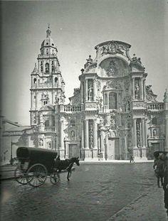 https://1905446768.rsc.cdn77.org/wp-content/uploads/2013/09/Murcia-fotos-antiguas-Catedral.jpg