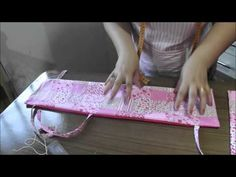 MPC 150401 ELANDIA SILVA ALMOFADA PARA CINTO DE SEGURANCA - YouTube Abc Crafts, Diy Home Crafts, Sewing Crafts, Sewing Projects, Projects To Try, Breast Cancer Survivor Gifts, Seat Belt Pillow, Baby Pillows, Baby Sewing