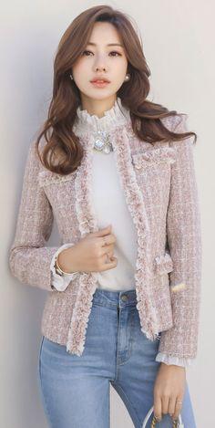 Korean Women`s Fashion Shopping Mall, Styleonme. Pink Tweed Jacket, Tweed Outfit, Chanel Tweed Jacket, Older Women Fashion, Womens Fashion, Look Formal, Mode Outfits, Blouse Patterns, Korean Women
