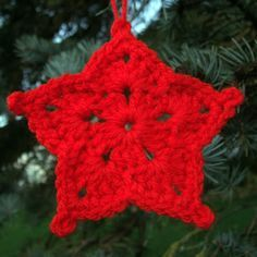 Easy 3-row Star ornament. I'm using an I-hook with worsted weight & they come out the perfect size for packaging goodies & being visible on a tree.