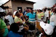 The Balobedu (Ba Lobedu – Ba gaModjadji) are a Bantu tribe of the Northern Sotho group, with strong affinities to the Venda, or Vhavhenda, t. South African Tribes, African Museum, Black Royalty, Tribal Dance, Zulu, Rain, Daughter, Husband, Culture