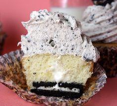 Cookies and Cream Cupcakes | Recipes I Need