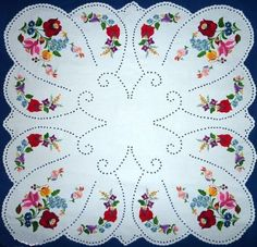 Hand embroidered Hand made Hungarian Table cloth от Magyarbolt Chain Stitch Embroidery, Learn Embroidery, Hand Embroidery Designs, Embroidery Stitches, Embroidery Patterns, Stitch Head, Hungarian Embroidery, Embroidered Towels, Clothes Crafts
