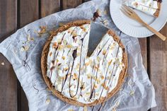 manier wordt de amandelspijs smeuïger, Pie Cake, Diy Food, Food Ideas, Afternoon Tea, Baking Recipes, Camembert Cheese, Tart, Cheesecake, Cupcakes