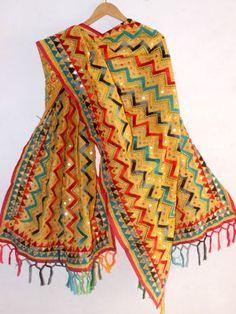 Multicolour Zig zag fulkari on Yellow Dupatta Phulkari Embroidery, Indian Embroidery, Embroidery Fashion, Folk Embroidery, Phulkari Punjabi Suits, Punjabi Dress, Dress Neck Designs, Blouse Designs, Boho Outfits