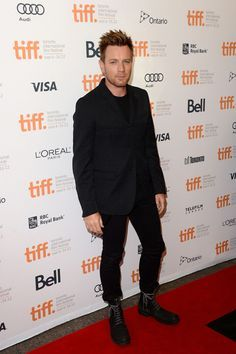 Ewan McGregor at the TIFF 2012. He really is annoyingly good at dressing up.