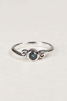 4mm Round with Swirl Ring