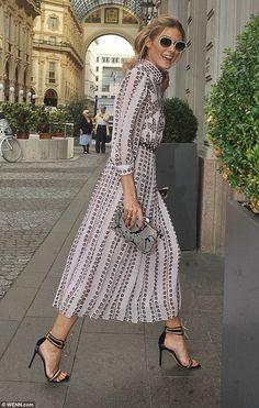 Olivia Palermo cuts a stylish figure at Milan Fashion Week Olivia Palermo Outfit, Olivia Palermo Stil, Olivia Palermo Lookbook, Business Fashion, Floral Shirt Dress, Mode Inspiration, Design Inspiration, Mode Style, Ideias Fashion