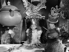 ALICE IN WONDERLAND, from left: Charlotte Henry, Edna May Oliver as The Red…