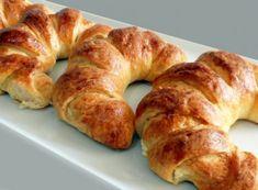 Bayatlamayan Şerit Poğaça Tarifi Bagel, Bread, Food, Cross Stitch, Breads, Baking, Meals, Yemek, Sandwich Loaf