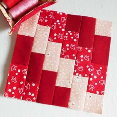 100 Modern Quilt Blocks - Block 24 'Painted Toes'. A clever design with no seam matching but looking gorgeous.