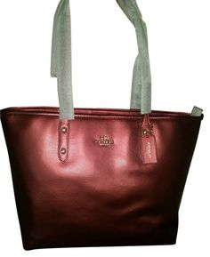 1409f2aff Coach Bnwt F37153 Zip Tote Crossgrain Leather Shoulder Bag. Get one of the  hottest styles