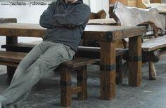 Rustic Style - Möbel aus massiver rustikaler Eiche mit geschmiedeten Beschlägen
