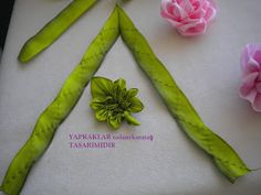 Enchanting Rose made of silk ribbons, MK - Crafts Ribbon Art, Ribbon Crafts, Flower Crafts, Handmade Flowers, Diy Flowers, Fabric Flowers, Hand Embroidery Tutorial, Hand Embroidery Designs, Embroidery Ideas