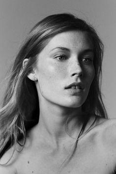 Mega Model Agency - Caroline Lossberg