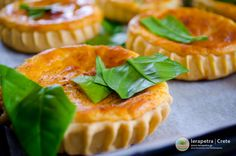 Sweet pies filled with anthotyro cheese, honey and cinnamon. Greek Desserts, Greek Recipes, Wine Recipes, Easy Recipes, Dessert Recipes, Pasty Shop, Greece Food, Crete Greece, Weird Food