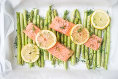 Zalm met groene asperges uit de oven