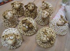 Ovečky z moduritu, keramiky či slaného těsta.