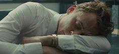 Athen (Tom Hiddleston)