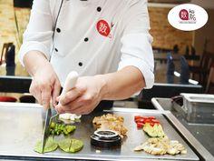 LA MEJOR COMIDA JAPONESA EN POLANCO. Si quiere disfrutar de un delicioso TEPPAN YAKI de res a la plancha acompañado de verduras, le recomendamos probarlo en Restaurante Kazuma, donde elaboramos todos nuestros platillos con los ingredientes más frescos para que pueda disfrutar del exquisito sabor en cada alimento. ¡Es la combinación perfecta que no puede dejar de probar! Le invitamos a reservar con nosotros al teléfono 5280-1622. #elmejorrestaurantejaponesenmexico