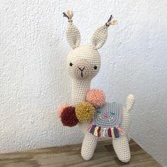 H E L L O pattern by @picapauyan #amigurumi #craftastherapy #craft #crochet #crochetersofinstagram #häkeln #ganchillo #organikoyuncak…