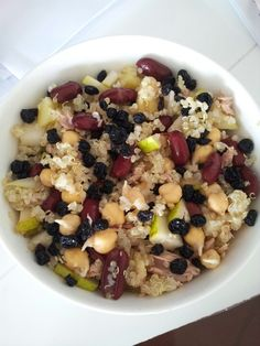 Chickpea, pear, red kidney beans, pineapple, currants, tuna and quinoa salad