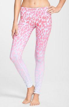 Pink airbrushed leggings Vybavení Na Cvičení d02bb6bb9f