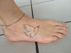 Hannah (Peace dove van Picasso door Frith Street Tattoo in Londen. )