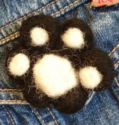 Beginners Needle Felting Workshop in Lancashire, UK Paw Brooch £20.00