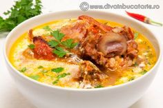 Cheeseburger Chowder, Curry, Chicken, Meat, Ethnic Recipes, Romania, Soups, Curries, Soup