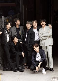 BTS for Japanese magazine Anan Vlive Bts, Bts Bangtan Boy, Foto Bts, Jung Hoseok, K Pop, Park Jimim, V Bts Cute, Bts Group Photos, Les Bts