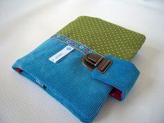 """Portefeuille en velours côtelé bleu ciel fermoir cartable"""" blue velvet wallet with metal clasp"""" : Porte-monnaie, portefeuilles par mambo-kiwi"""