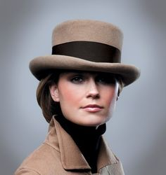 .taupe wool coachman's hat w/ dark brown band